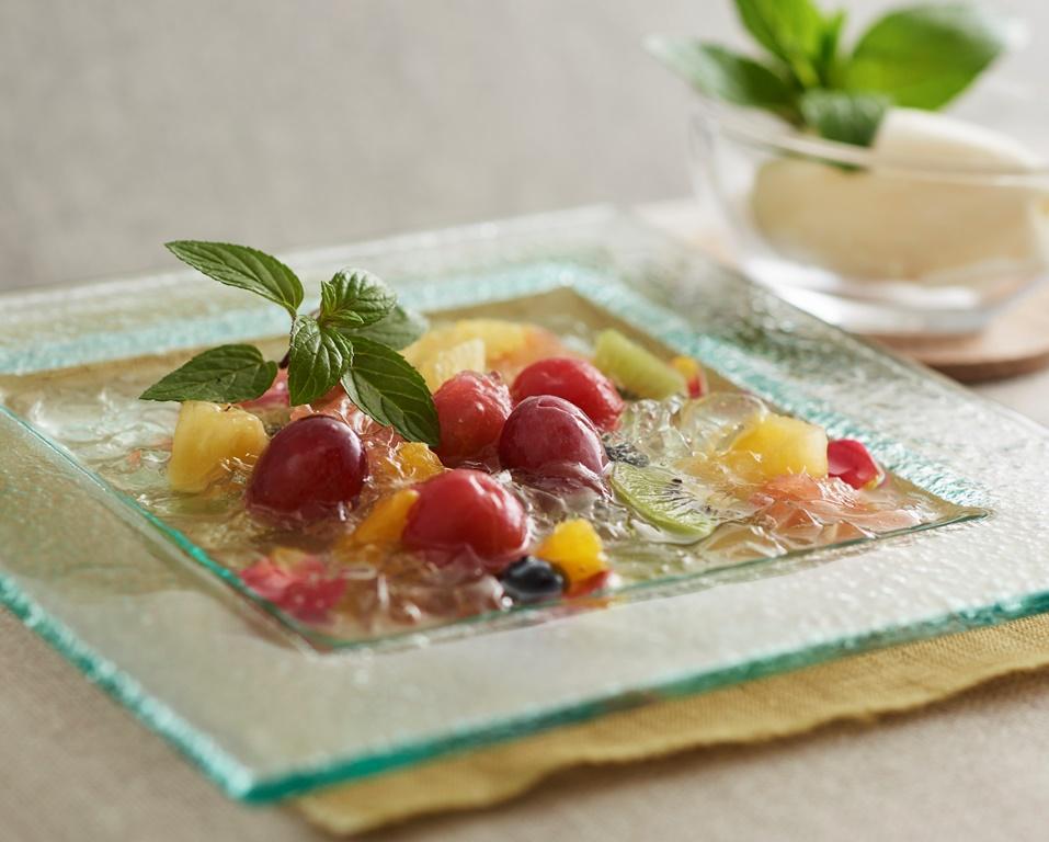 三島スカイウオーク・森のキッチンの「温泉水でマリネした色鮮やかなフルーツ」