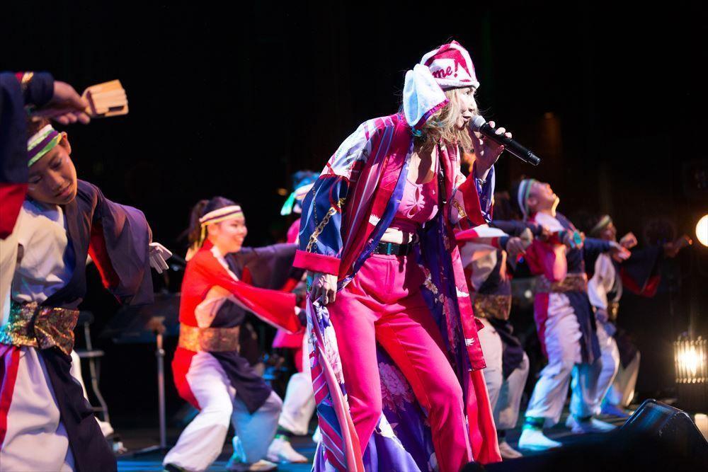 中村あゆみ祭「Rock Alive 2018」でコンサート活動を続ける中村あゆみさんのステージ風景。11月24日には、サンケイホールブリーゼでの大阪追加公演が予定される(写真提供=Lady.A)