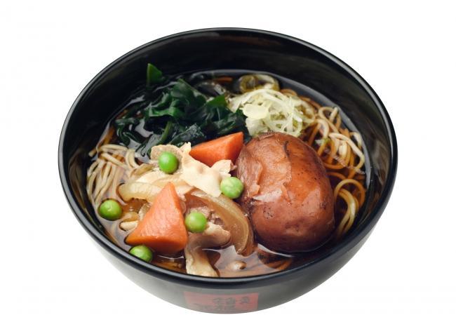 初登場の北海道産「男爵(だんしゃく)」が丸々1個入った「肉じゃがそば・うどん」