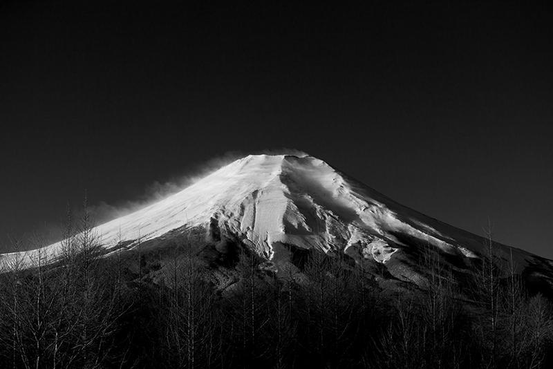 幻想的な富士の美景作品を展示する「富士・FUJI・不二!」より(「Mt.Fuji #B-007 Katsura ENDO」)