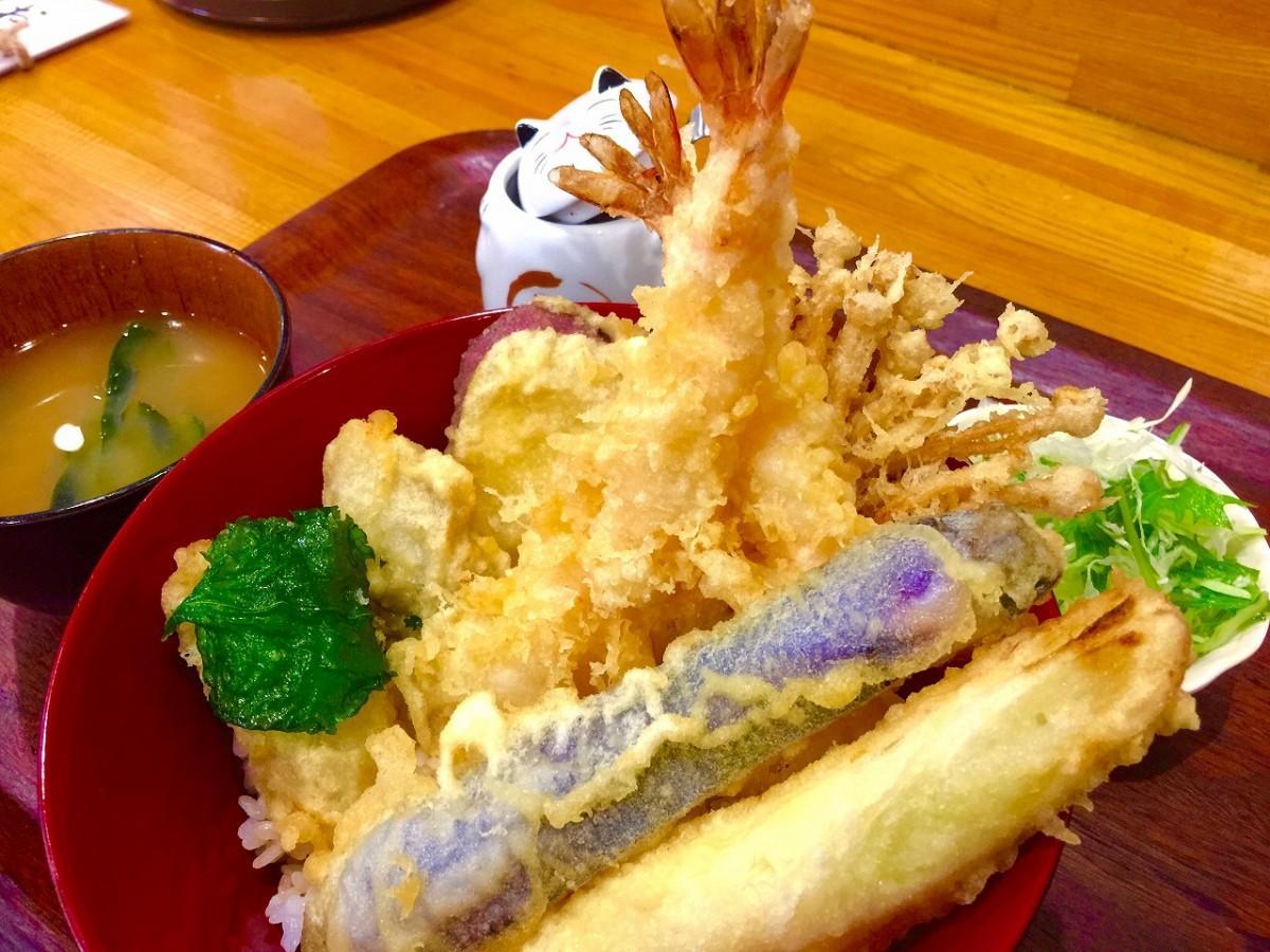 牡蠣(かき)天丼(1,300円)