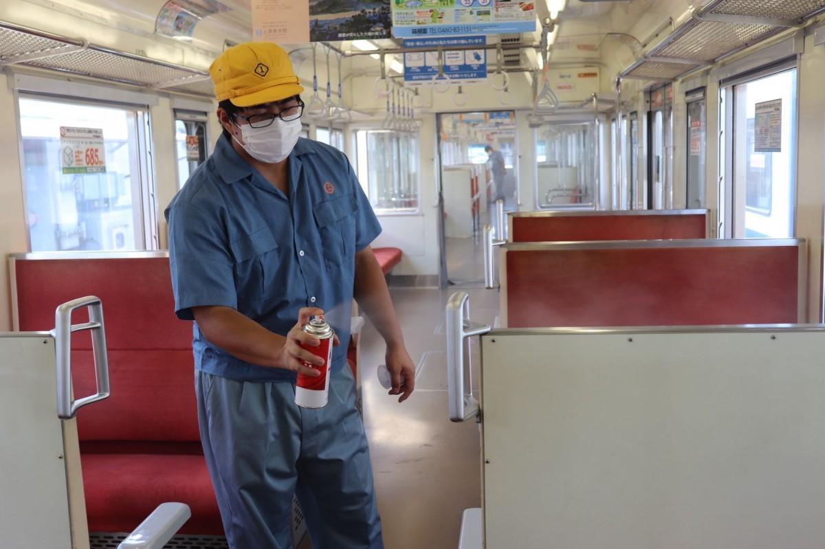 伊豆箱根鉄道で抗ウイルス・抗菌加工を施す
