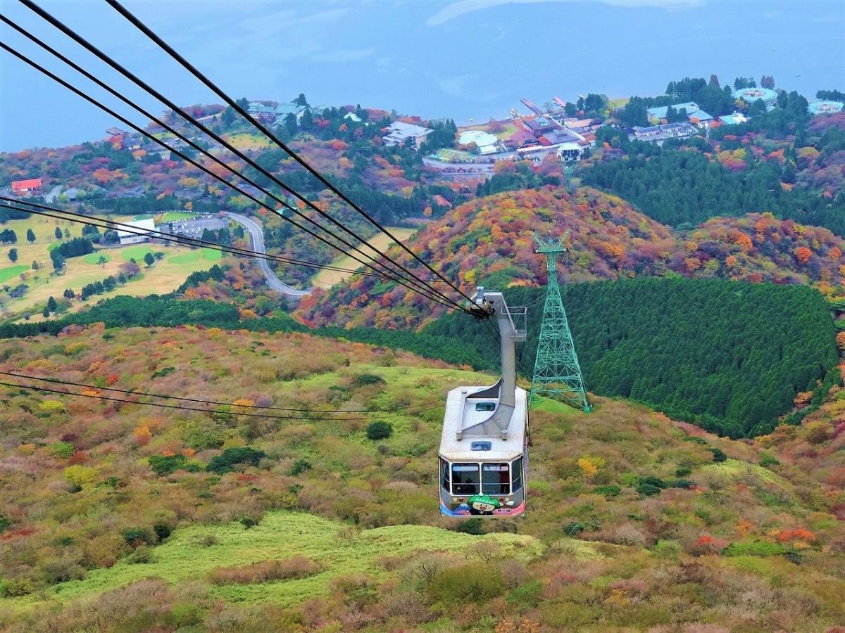 紅葉の箱根や芦ノ湖と箱根駒ケ岳ロープウェー