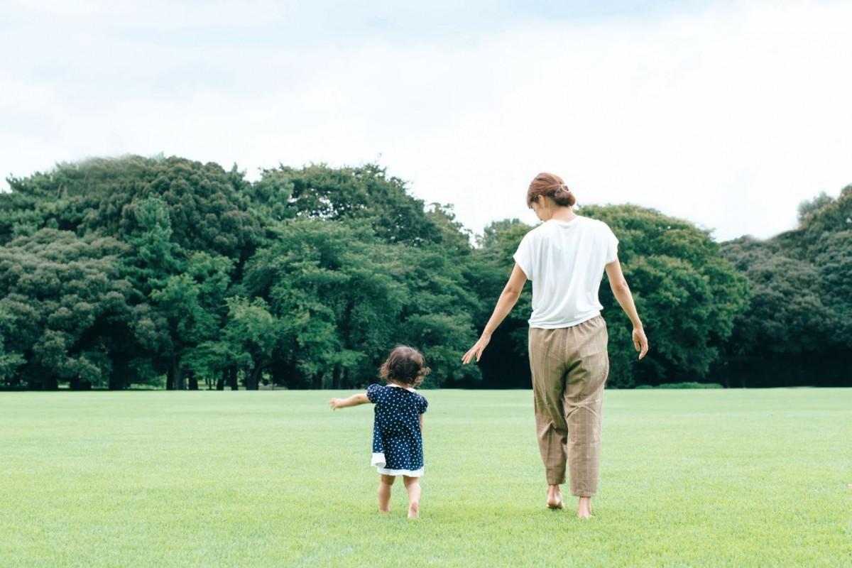 ゴルフ場を子どもたちに開放して行われる「親子で芝生エンジョイデー」