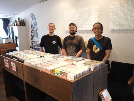 レコード&CDフェア主催の3名(左から御手洗さん、竹林さん、日名子さん)