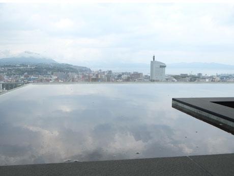 日本トップクラスの屋上露天風呂を有する「シティスパてんくう」