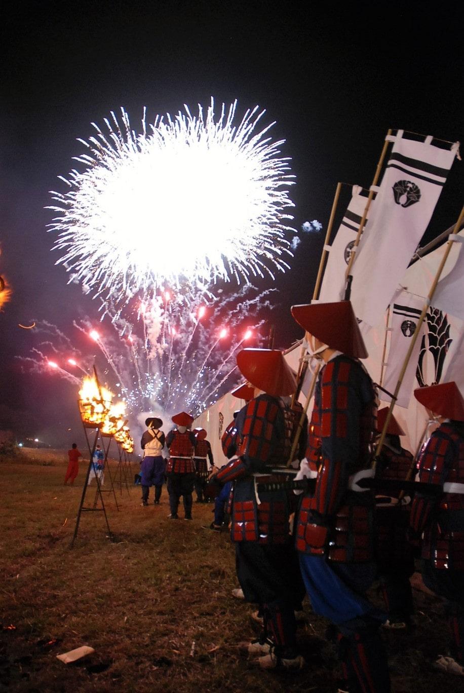 大野川合戦まつりを締めくくる鎮魂の花火