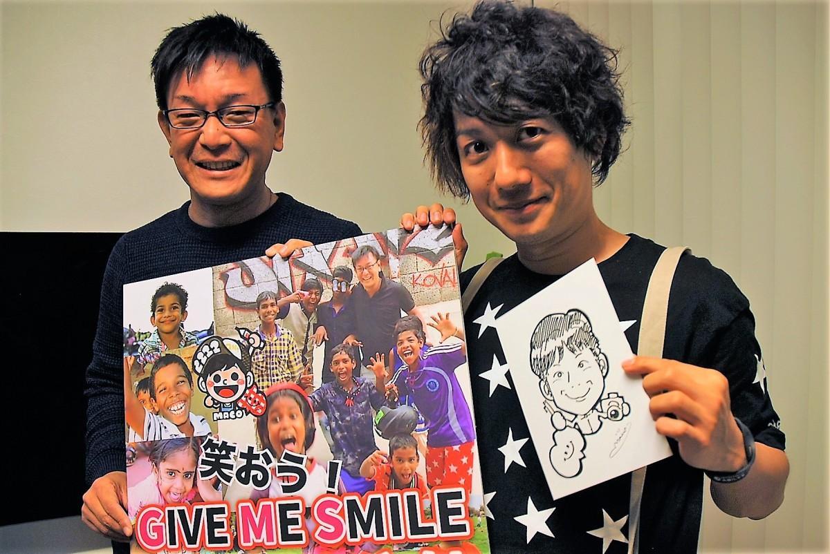 24時間似顔絵に挑戦する大澤さん(右)と今長さん
