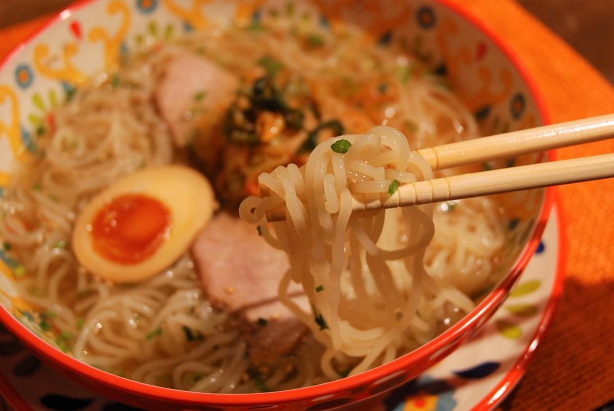 和風だしとコシある麺がマッチした冷麺