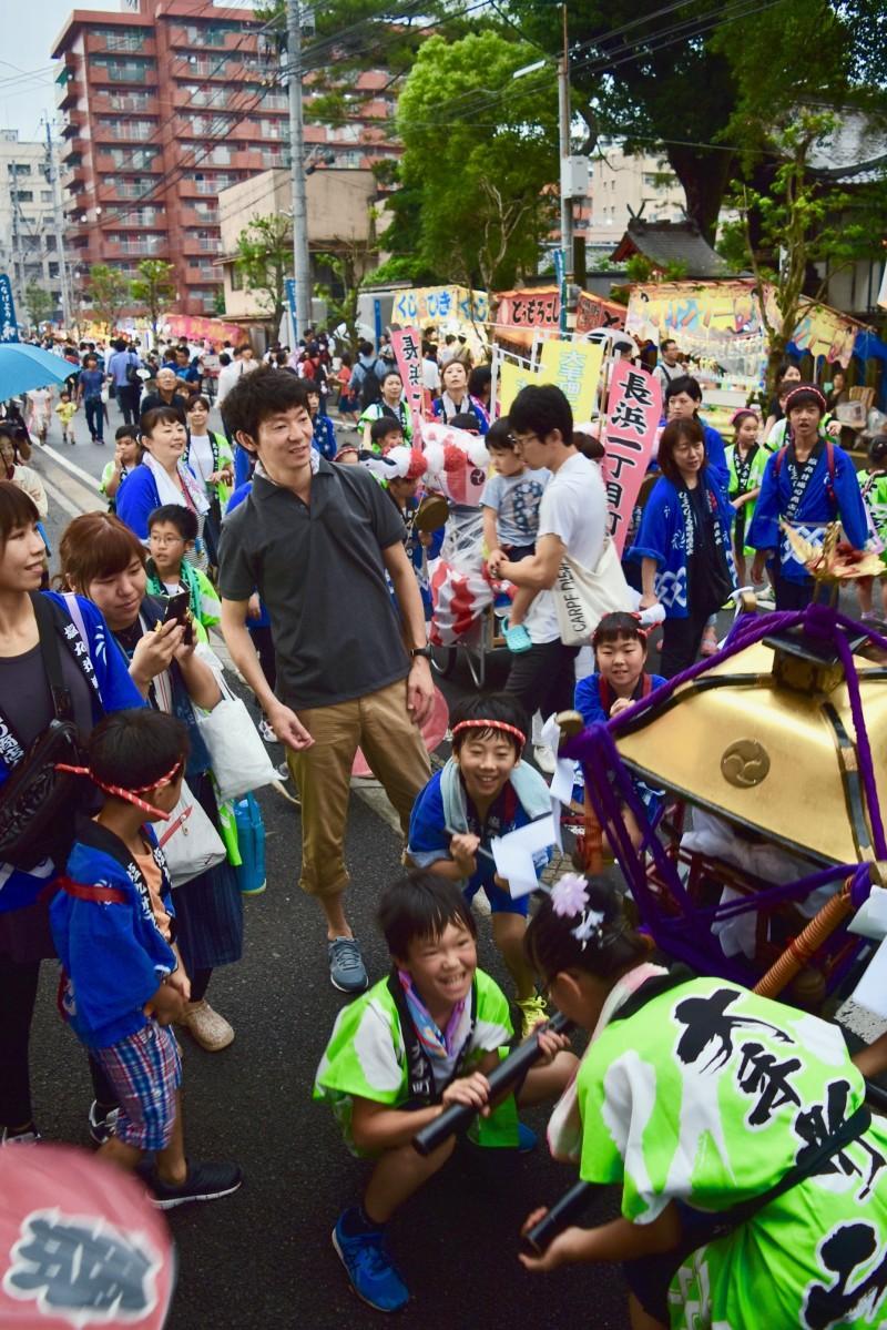 子どもみこしの掛け声が響いた長浜神社夏祭り