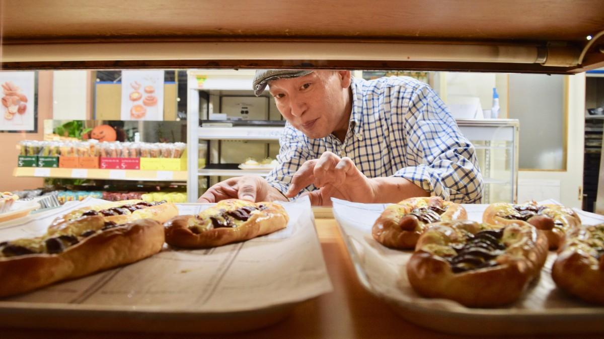 夜間専門のパン店をオープンした平山さん