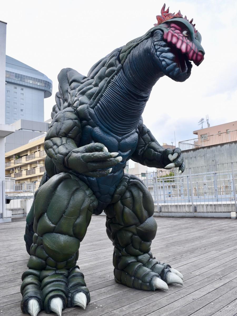 フリマ会場に現れた「大分怪獣ブゴン」