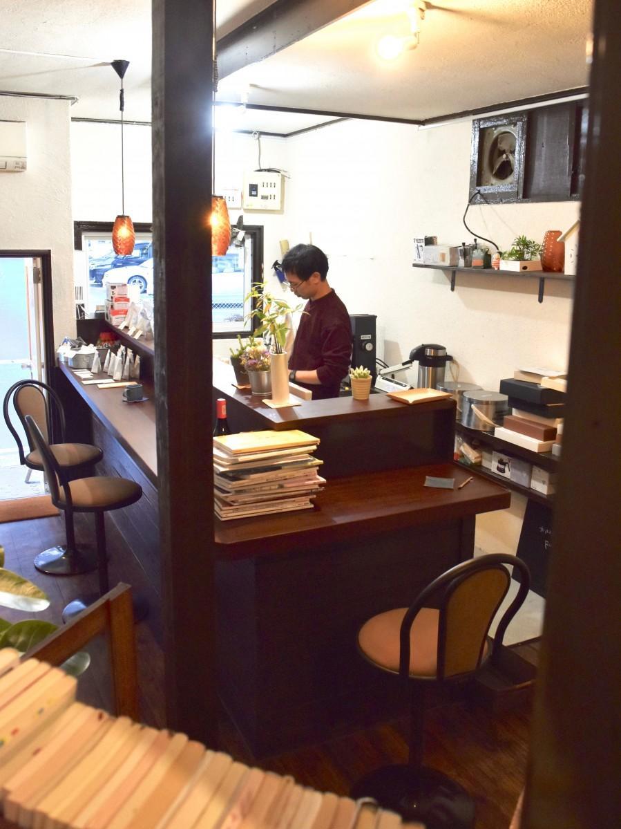 「レイニーデイズコーヒー」の店内