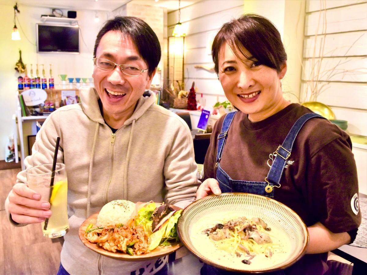 「大分eスポーツ イートアップ」への参加を呼び掛ける西村さんと伊予田さん