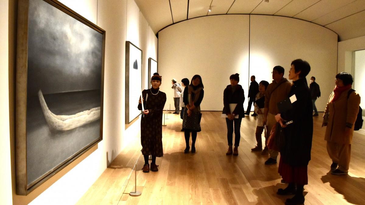 大分県立美術館で開かれた俳句創作イベント