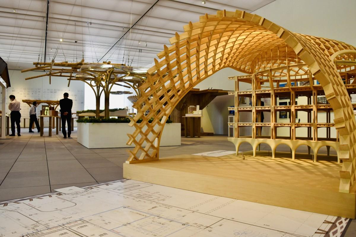 大分県立美術館で始まった「坂茂建築展」