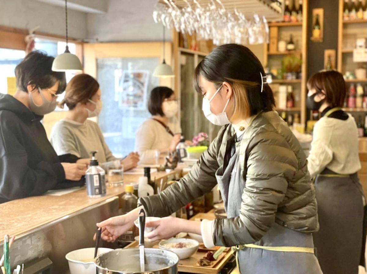 別府市中心街で朝食味わう「グッドモーニング ベップ」(Beppu Sake Stand 巡)