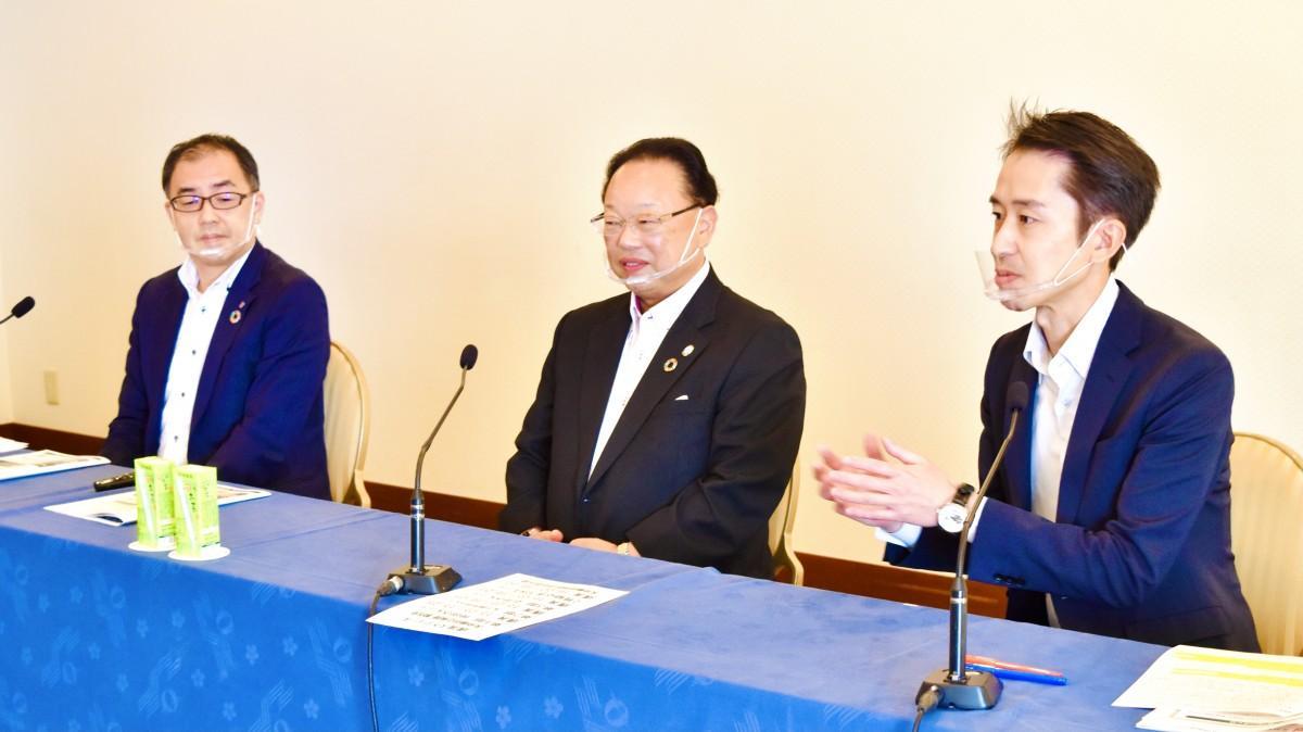 参加者の質問に答える仲田リーダー、矢下さん、石井推進役(右から)