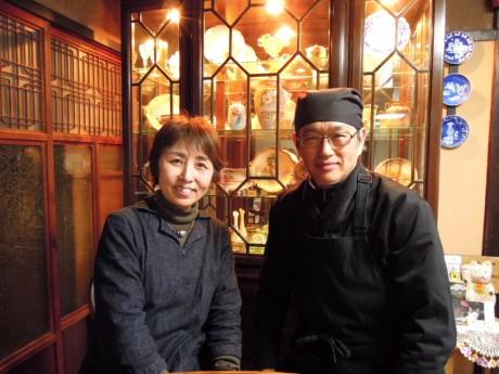 中山利秀さん(58)と妻・理恵さん(57)2人で切り盛りする