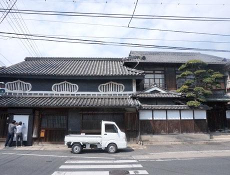 たまりBAR会場の福岡醤油建物