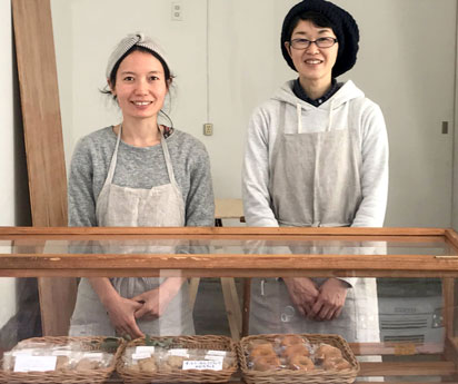 (写真左から)加藤奈津子さん、中村直美さん