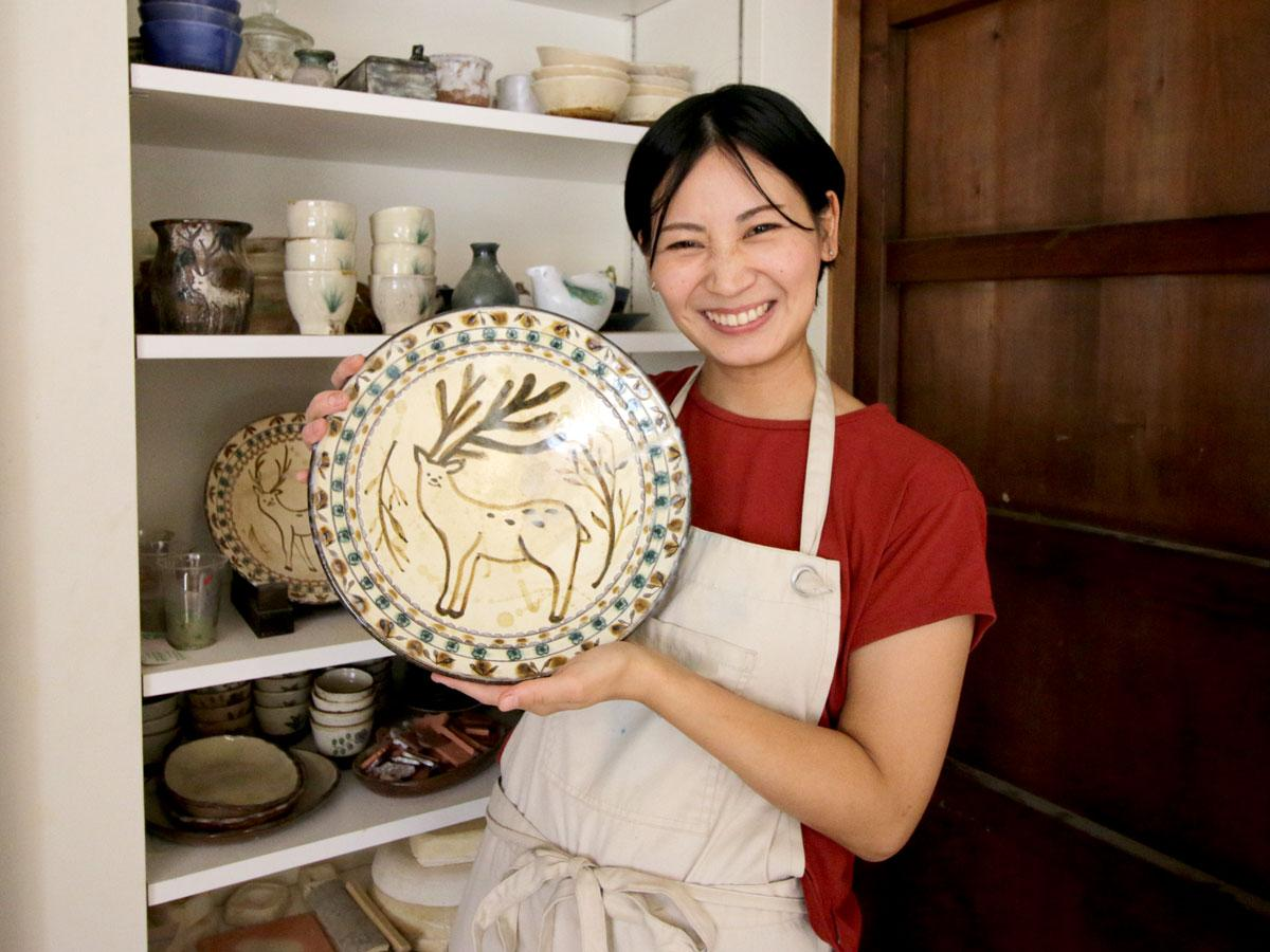 陶芸家の原在加さん
