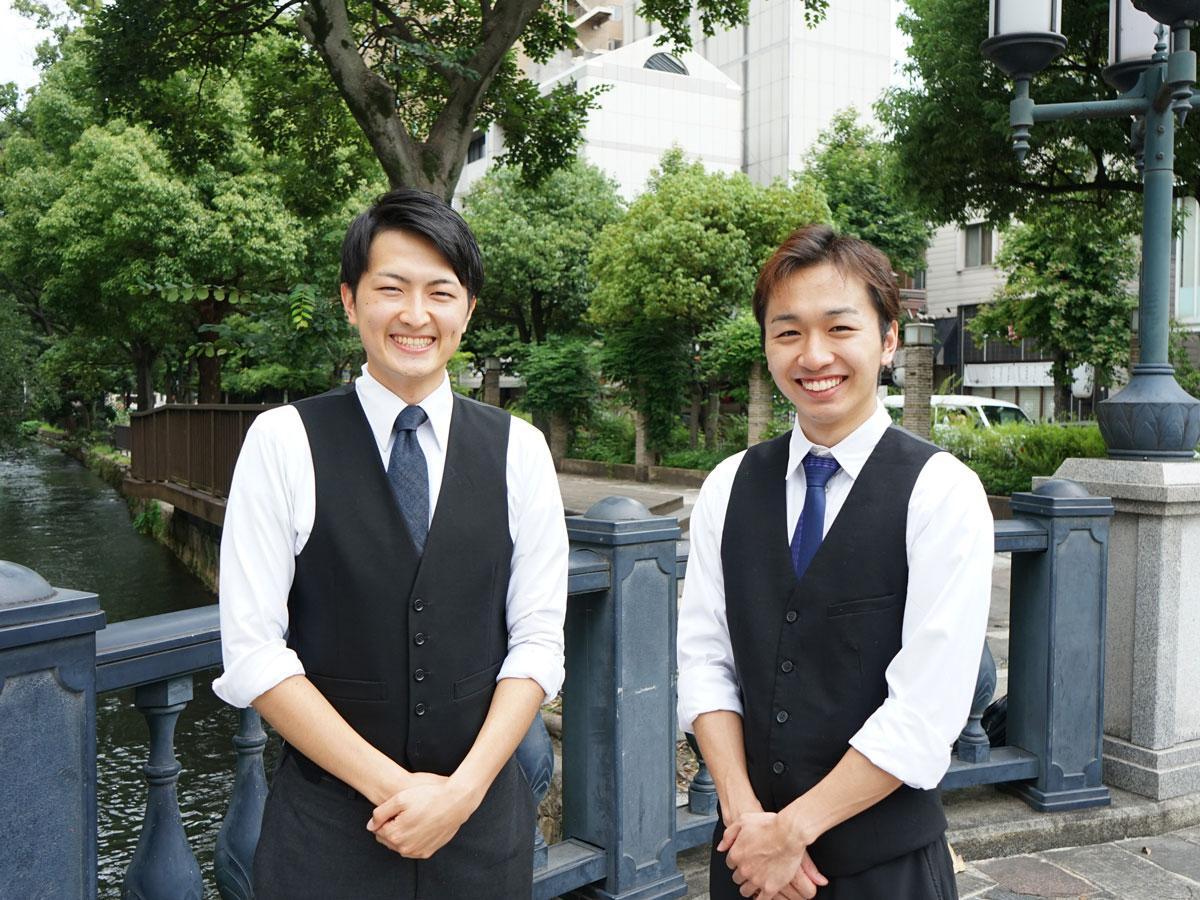 左から「満月BAR」の代表 吉川慧さん、スタッフの丸一鉱大さん