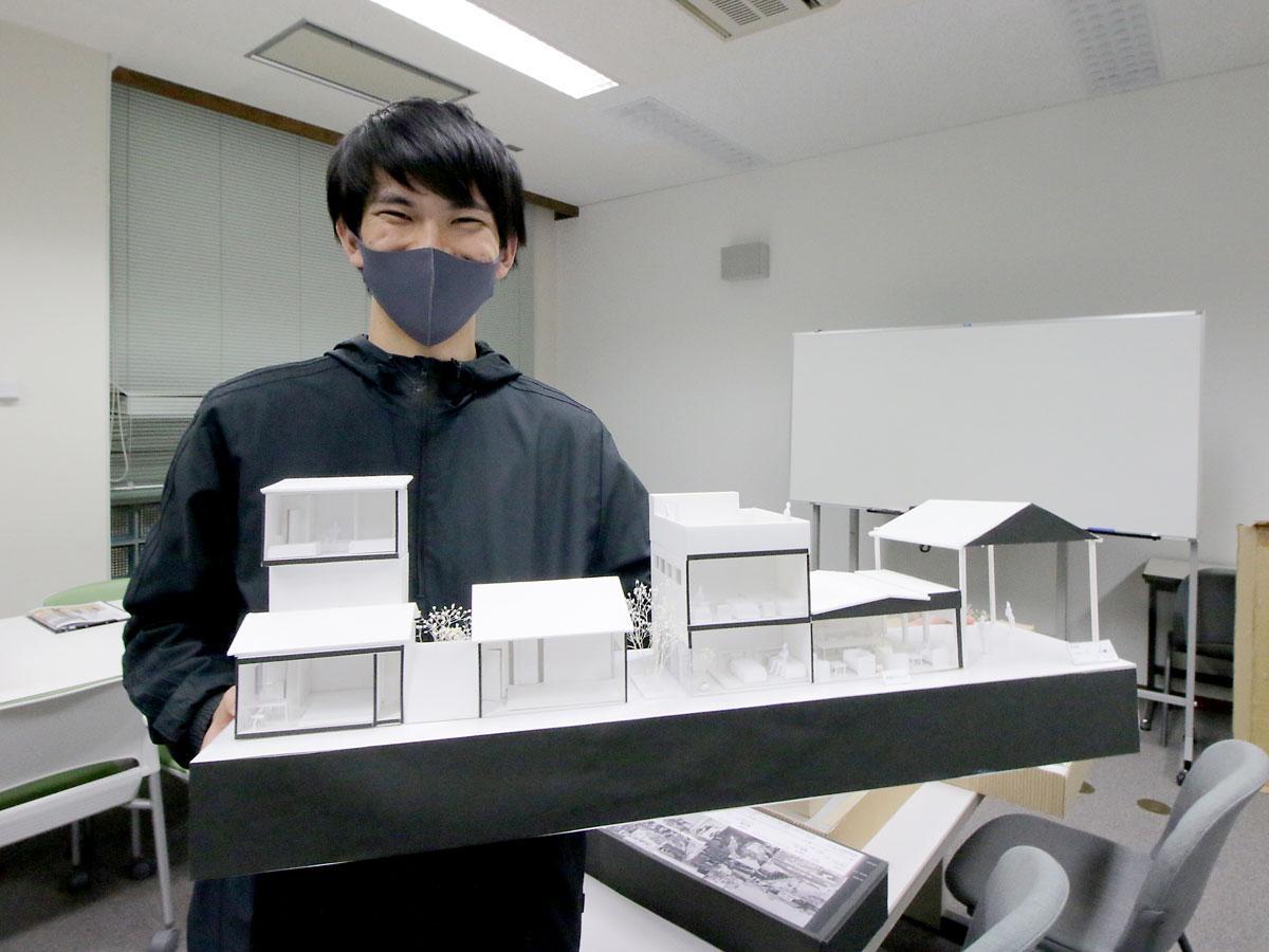 岡山県立大学の畠和宏研究室の小林弘樹さん