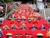 岡山・備前片上で「ひなめぐり」 石段62段にひな人形300体飾る