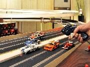 岡崎にスロットカー専門店-全長32メートル6レーンは三河初