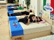 岡崎「ふとんの野畑屋」がリニューアル-イタリア寝具取扱開始で
