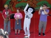 「岡崎ジャズメッセンジャーズ」トリオ結成-オリジナル曲披露、オカザえもんも