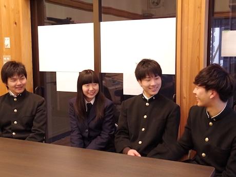 写真左から渡邉海斗さん、山本舞さん、原康平さん、井出風之介さん
