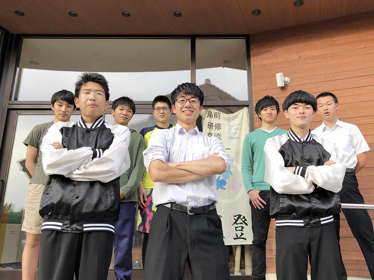 隠岐島前高校の生徒ら