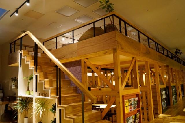 カフェスペースの上部に新設した「おふろcafe utatane」ロフトスペース