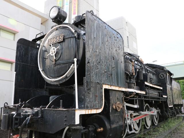 愛称「甲虫」と呼ばれ市民に愛されていたさいたま市中央区役所前の9600型貨物用蒸気機関車