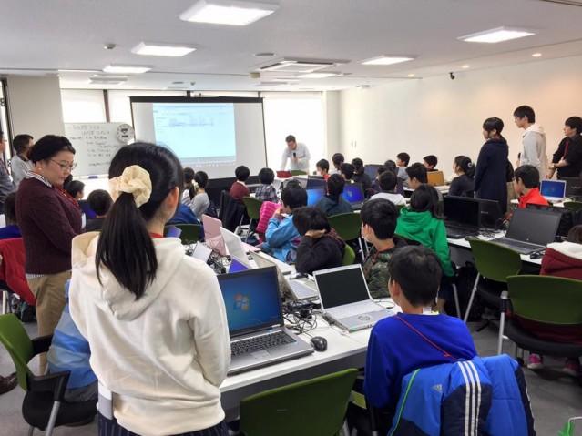 子ども大学SAITAMAのプログラミング教室の様子