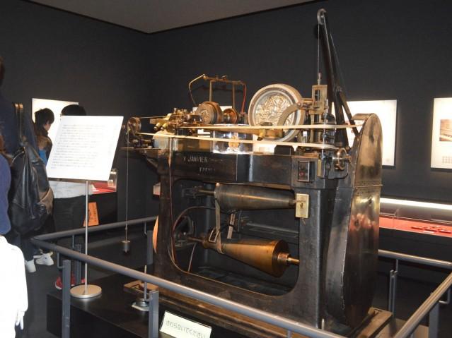 造幣さいたま博物館の見どころの一つ「縮彫機(しゅくちょうき)」