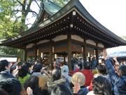 大宮の武蔵一の宮・氷川神社で「節分祭」 落語家・力士らが豆まき