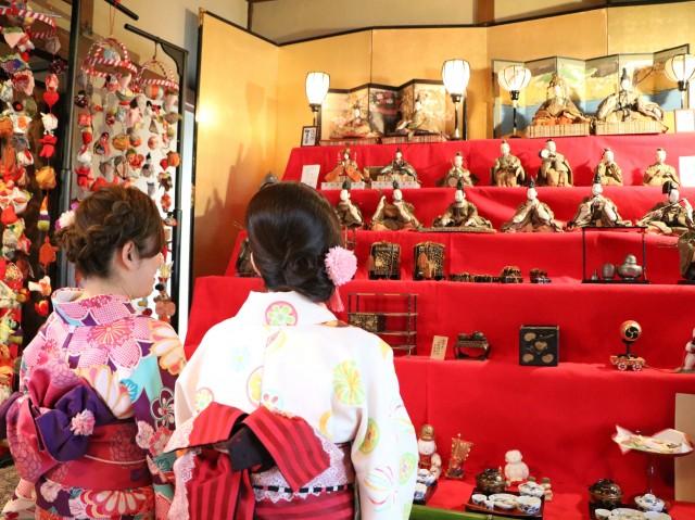 さいたまの料亭「二木屋」で雛飾り 元禄雛や御殿飾りなど約1,000体