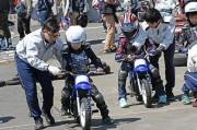 上尾の自動車教習所でバイクフェスティバル 国際A級ライダー・本多元治選手来場も