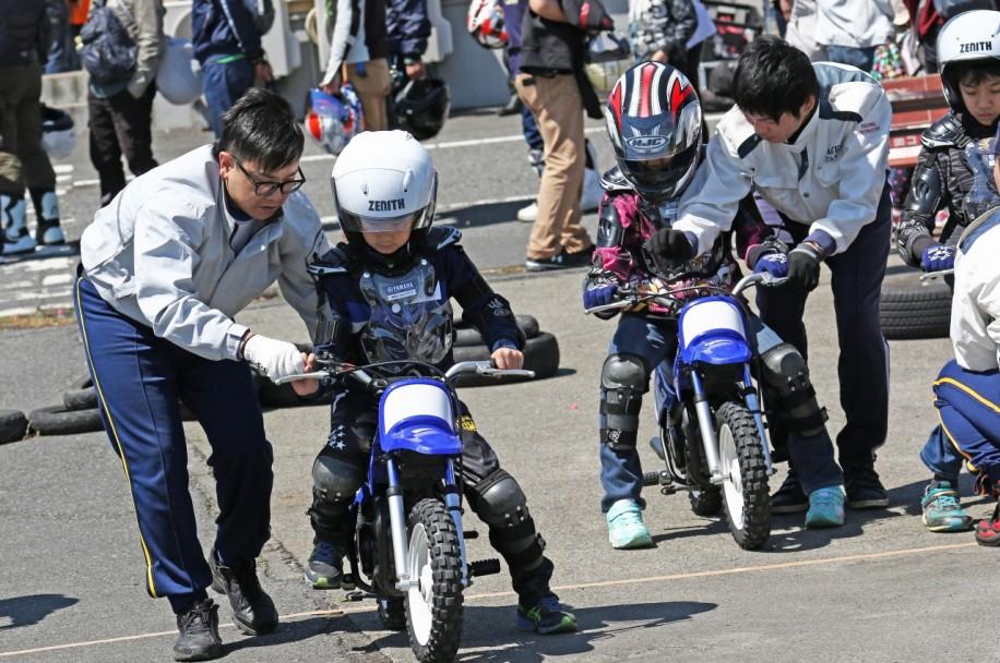 子どもバイク体験(過去開催の様子)