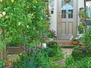 埼玉・北本でオープンガーデン 個人庭などを巡り花と緑を楽しむ