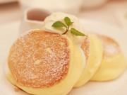 ふわふわ食感「幸せのパンケーキ」が埼玉初出店 大規模店内にゴンドラ席も