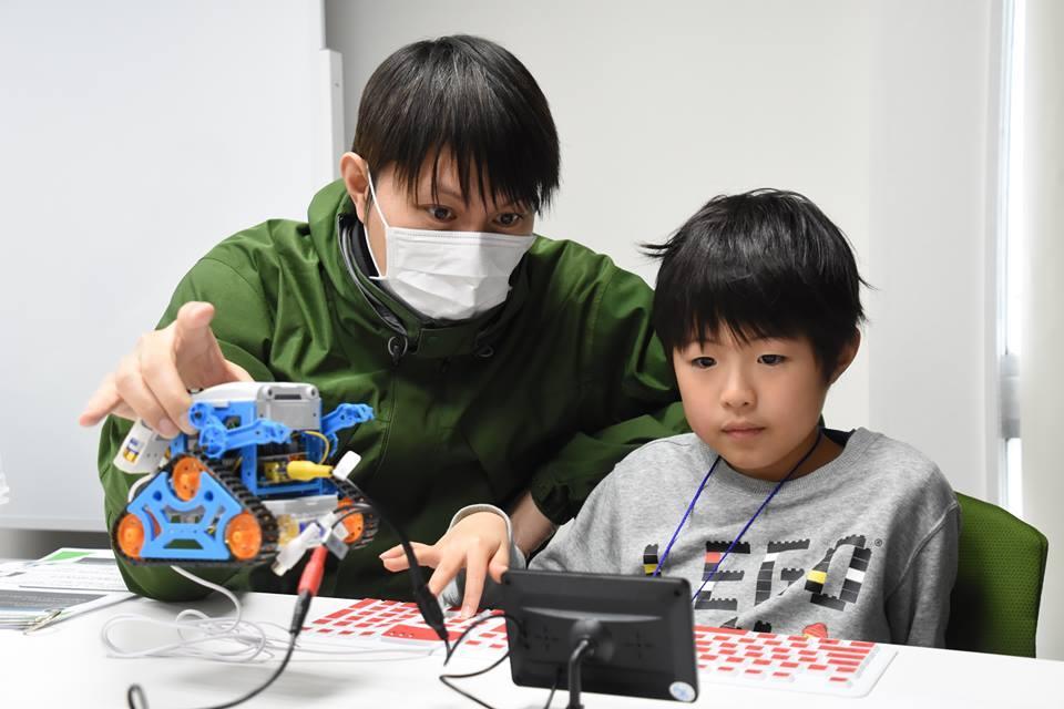 子どもパソコン「Ichigo Jam」を通してプログラミングを行う