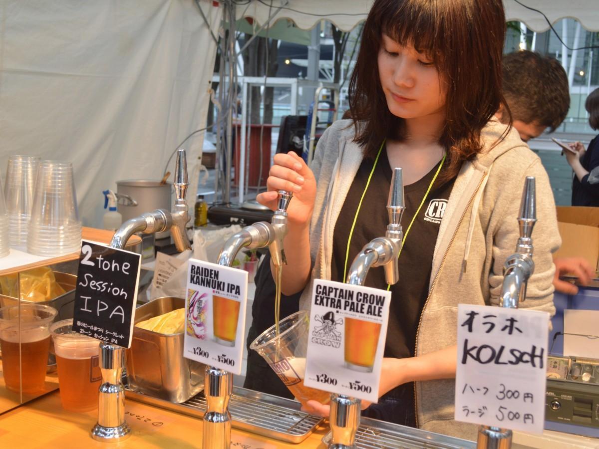 ビアサーバーから注がれる個性豊かなクラフトビール