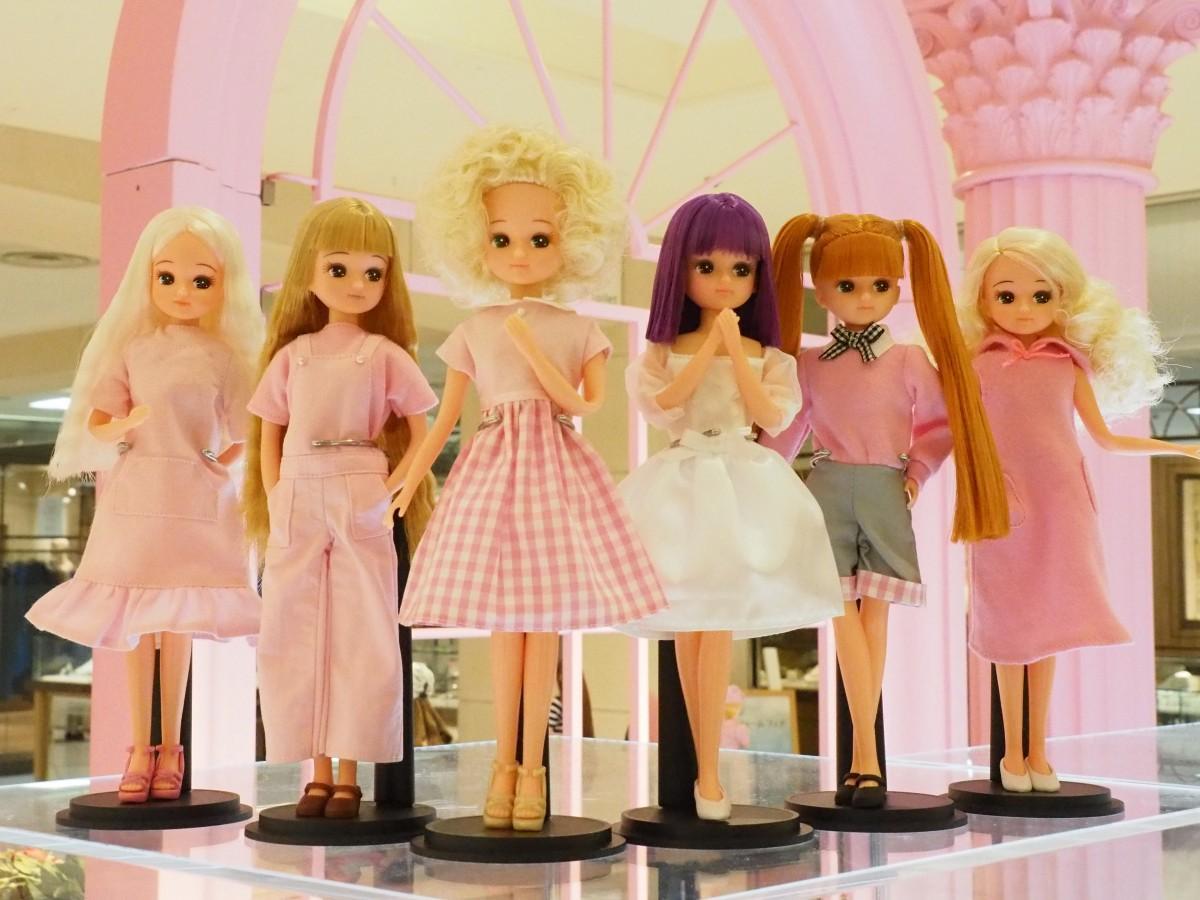 人気シリーズ「カジュアルコレクション2」のアフロヘアのリカちゃん人形(写真中央)