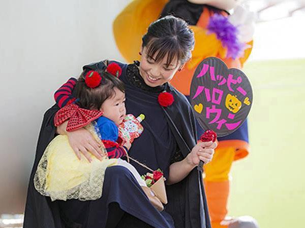 ハロウィーンをコンセプトに、毎年子どもから大人まで参加する