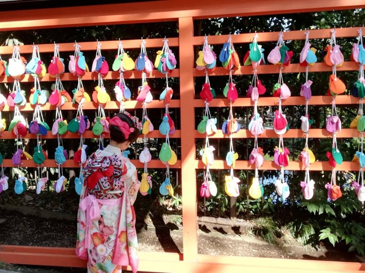 納め所に納められた氷川神社の「ふくろ絵馬」
