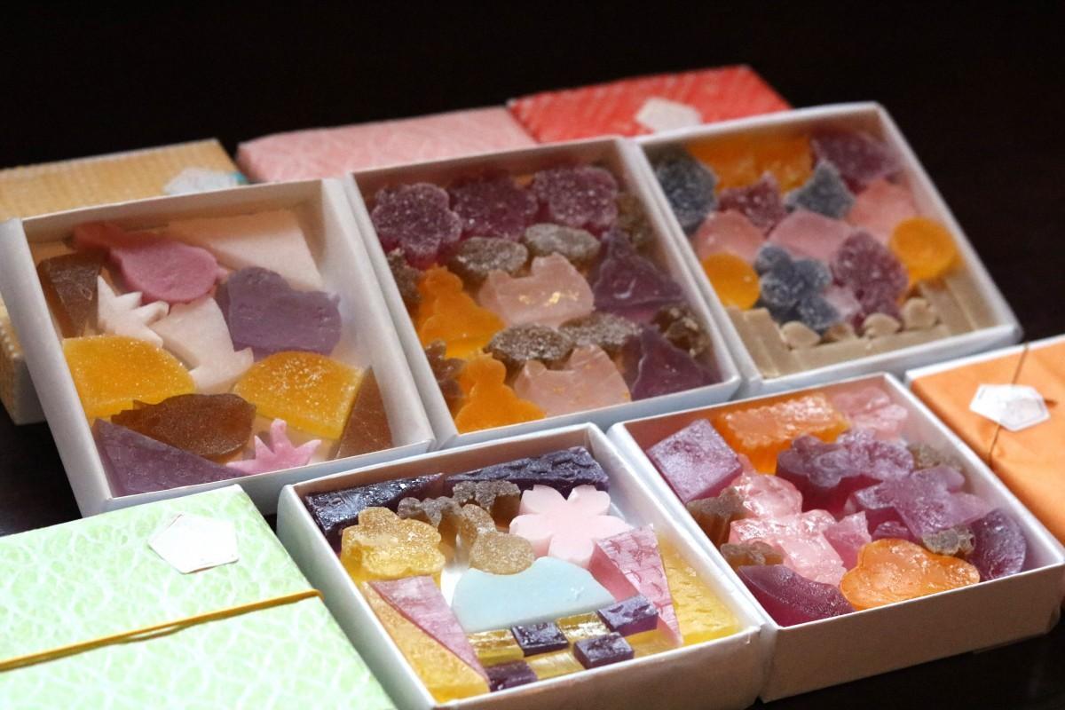 5味5色の琥珀菓子